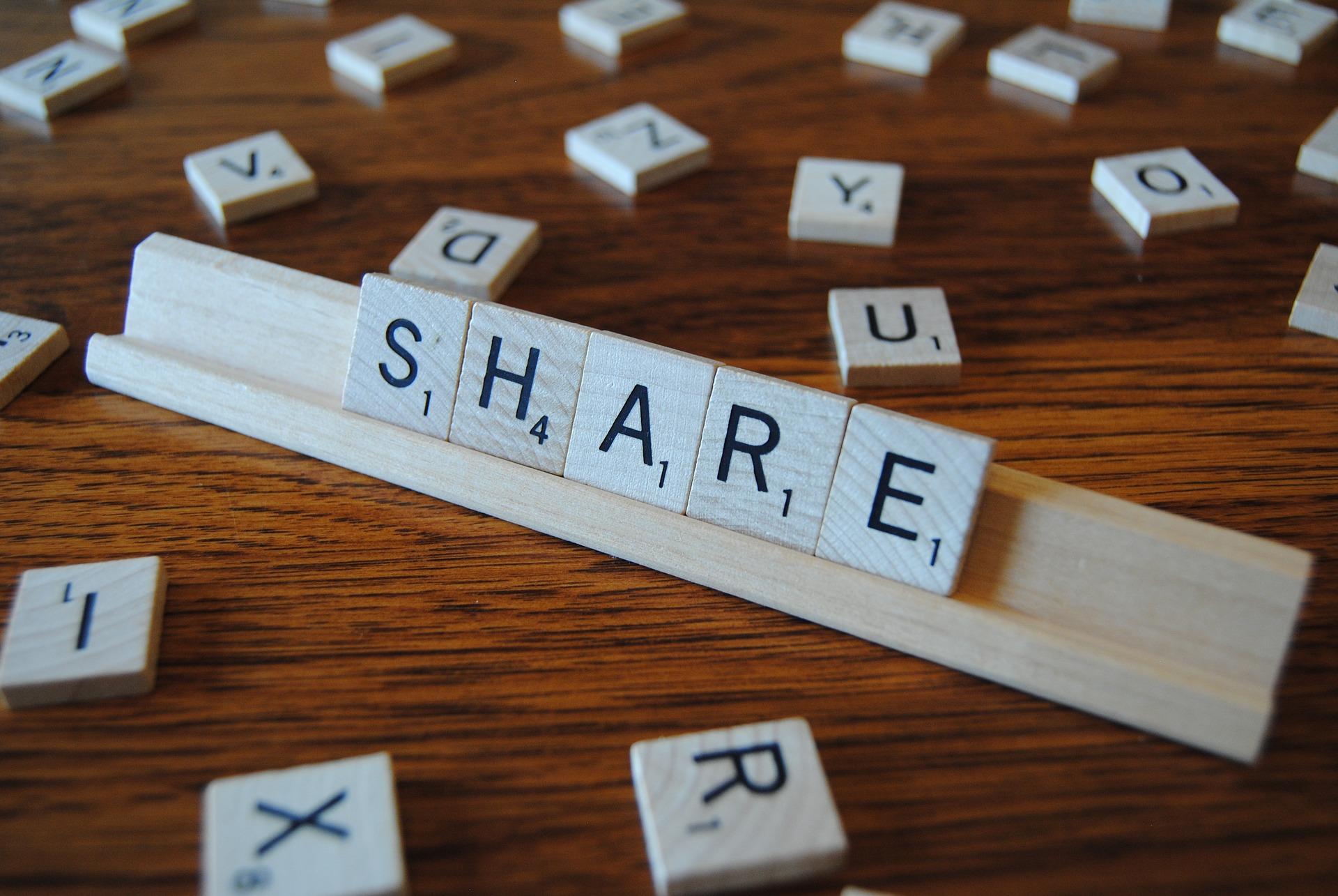 Content Marketing bedeutet Wissen und Informationen gratis teilen und dafür Aufmerksamkeit bei seiner Zielgruppe erreichen