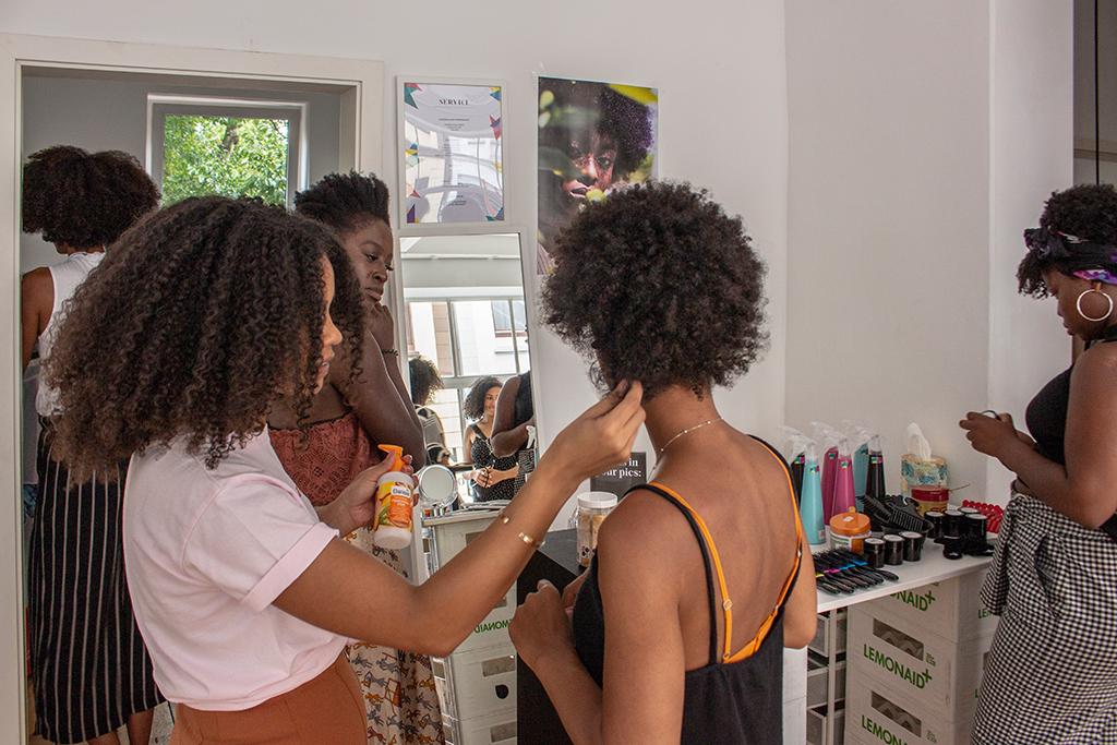 Gründerstory mit Abina Ntim von JONA curly hair care